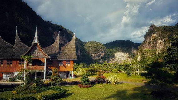 Kembali ke alam di Lembah Harau Sumatra Barat
